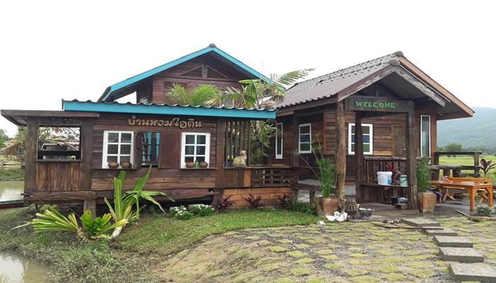 "Photo of ""บ้านไร่กลางทุ่ง"" บ้านไม้สวย ในฝัน บรรยากาศสดชื่น แวดล้อมธรรมชาติๆบ้านๆ น่าอยู่"